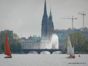 01_Kennedybrücke_Lombardsbrücke_Alsterfontäne_Rathaus