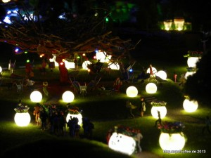 27_MiWuLa_IGS_Gartenschau_nachts_unterm_Baum