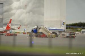 Auch der hübsche retro A321 der Lufthansa entgeht den Planespottern nicht.