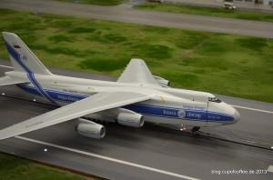 Eine der ganz großen: Die Antonow AN 124 setzt auf.