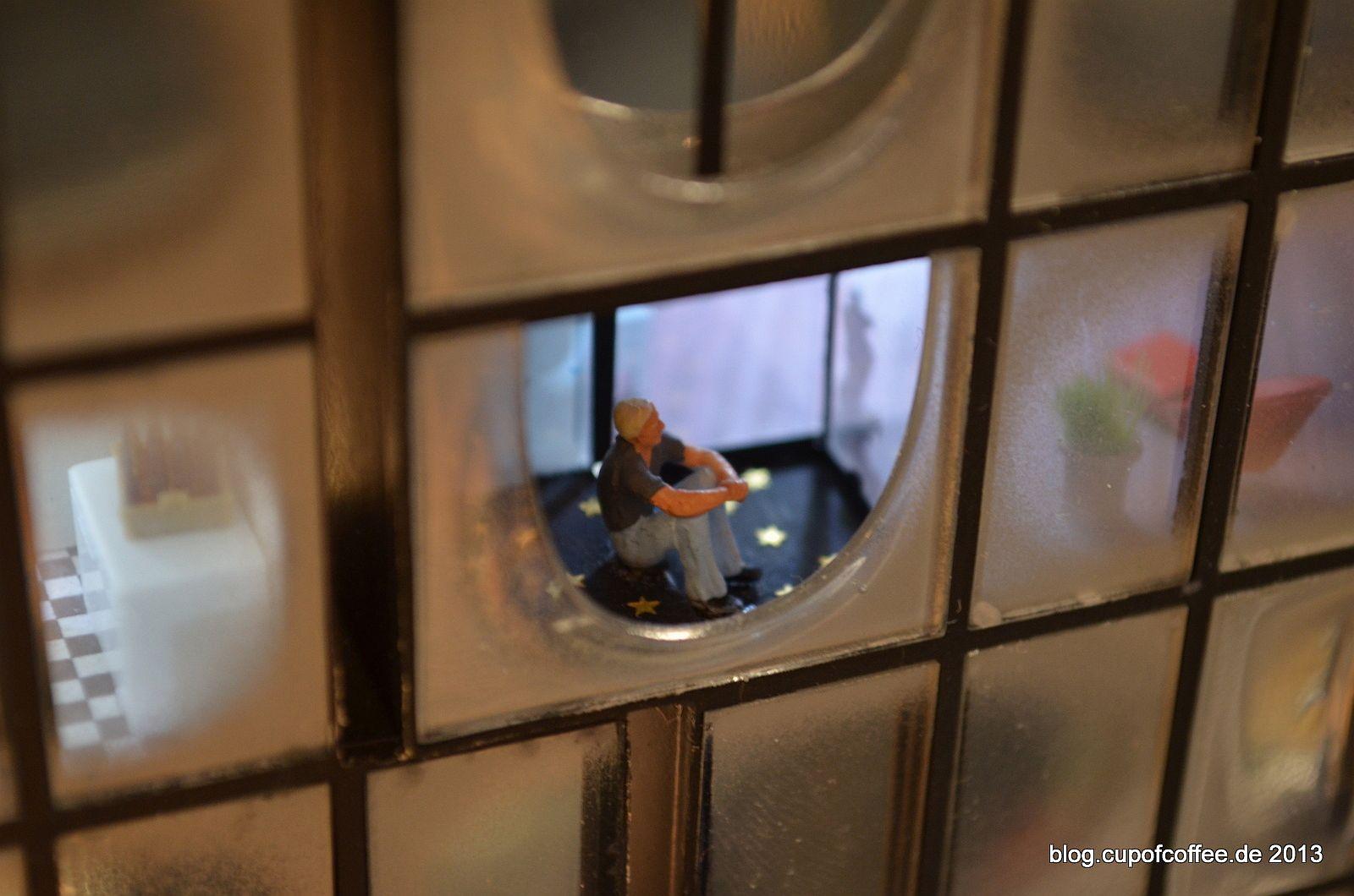 Die große Glasfassade eröffnet spannende Einblicke.