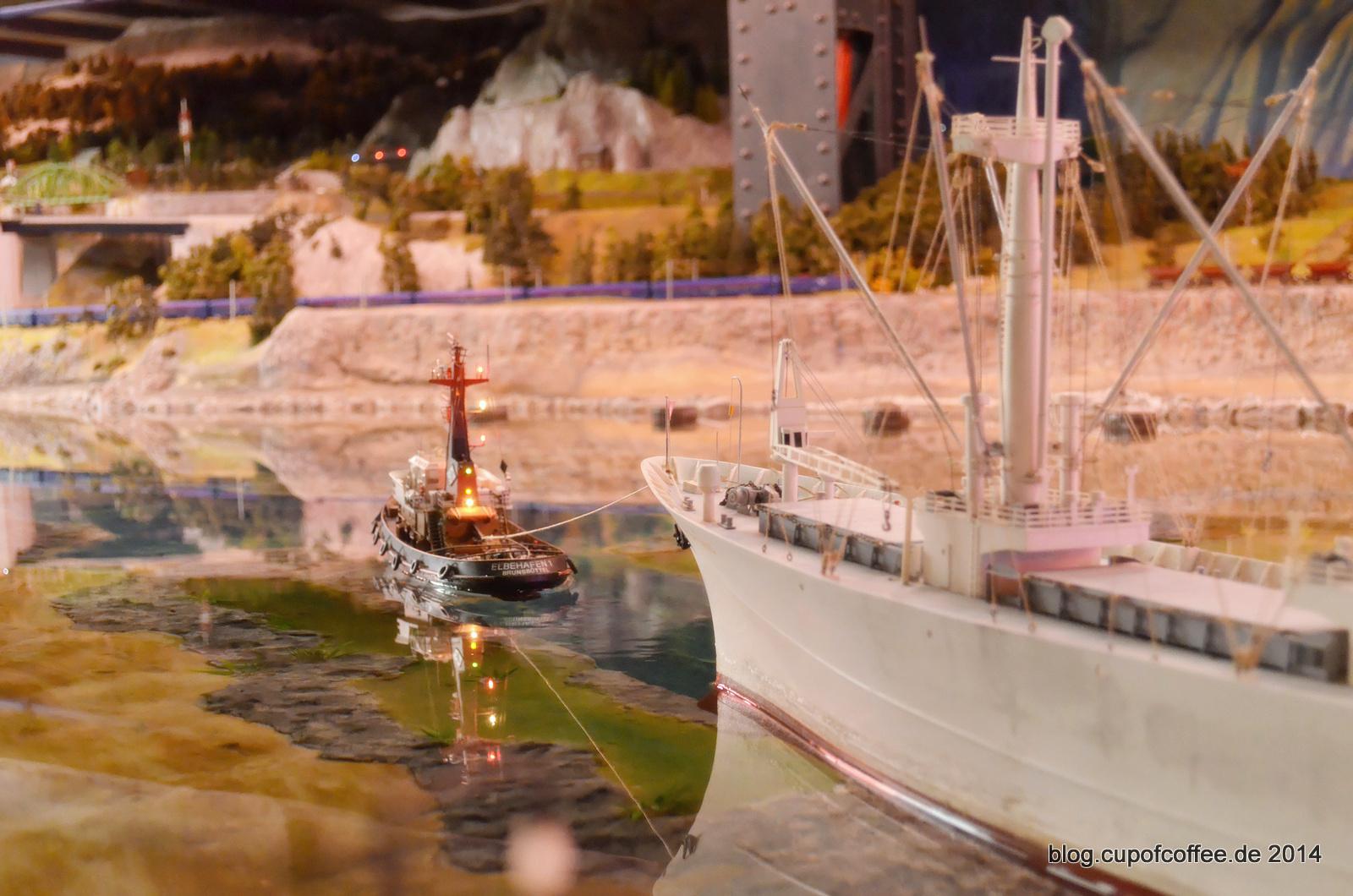 Die Flotten der IG Mikromodell und des MiWuLa treffen sich beim Hafengeburtstag 2014