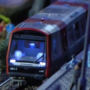 Der neue DT5 der Hamburger Hochbahn fährt jetzt auch im Wunderland. »Miniatur Trainspotting