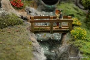 Im Wunderland gibt es unzählige Brücken. Manche sind komplexe, gigantische Konstruktionen, andere nur kleine Stege.