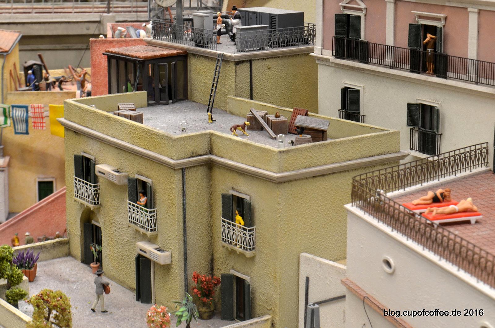 Atranis Dächer wurden liebevoll ausgestaltet.