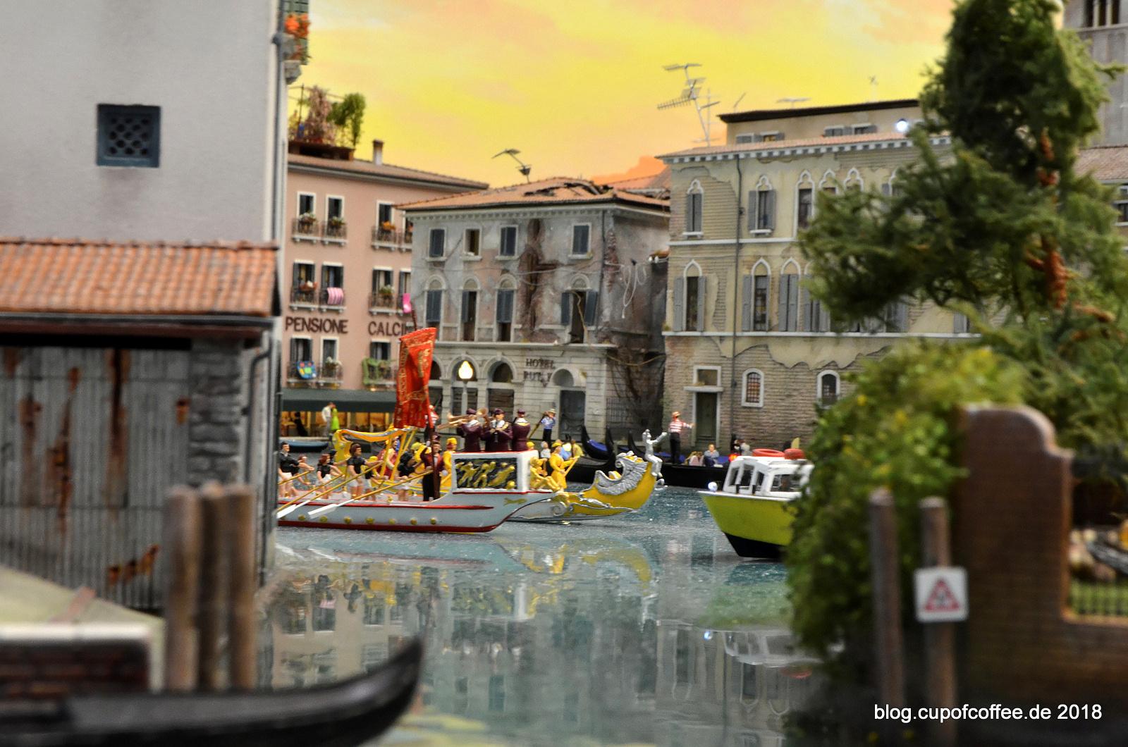 Herrliche Ein- und Ausblicke haben die Hamburger Modellbauer wieder einmal geschaffen.