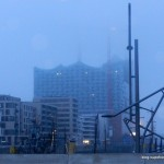 Elbphilharmonie_Hamburg_im_Nebel_2013
