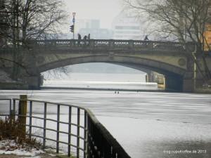 03_Eis_Enten_Mundsburgkanal