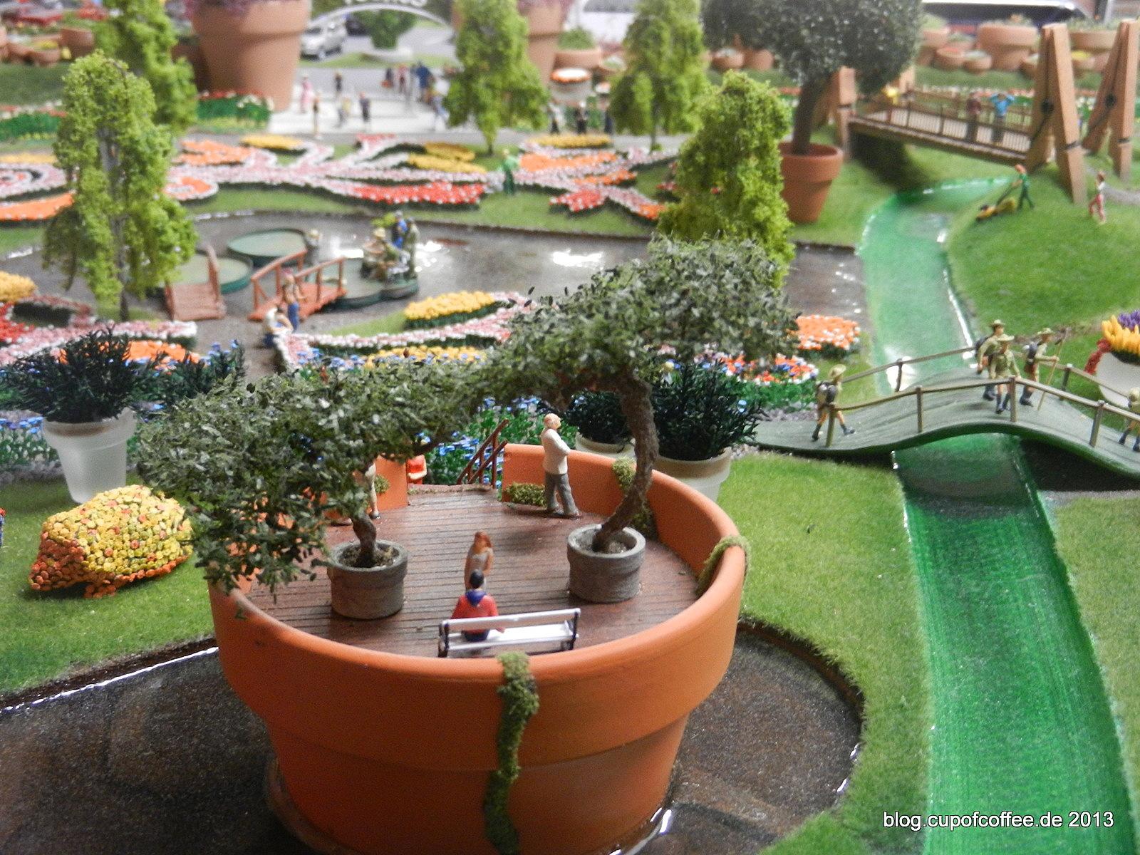 Hier werden viele Elemente aus dem großen Gartenbau verwendet.