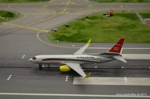 Der TUI ICE-Flieger folgt kurz darauf.