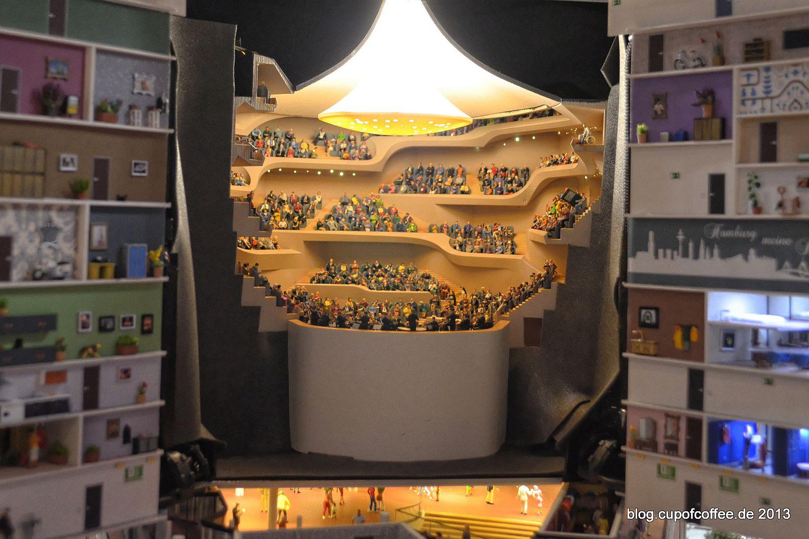 Wenn sich die Fassade öffnet, kommt Leben ins Orchester.
