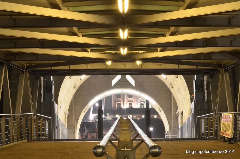 Aufgang_Landungsbrücken