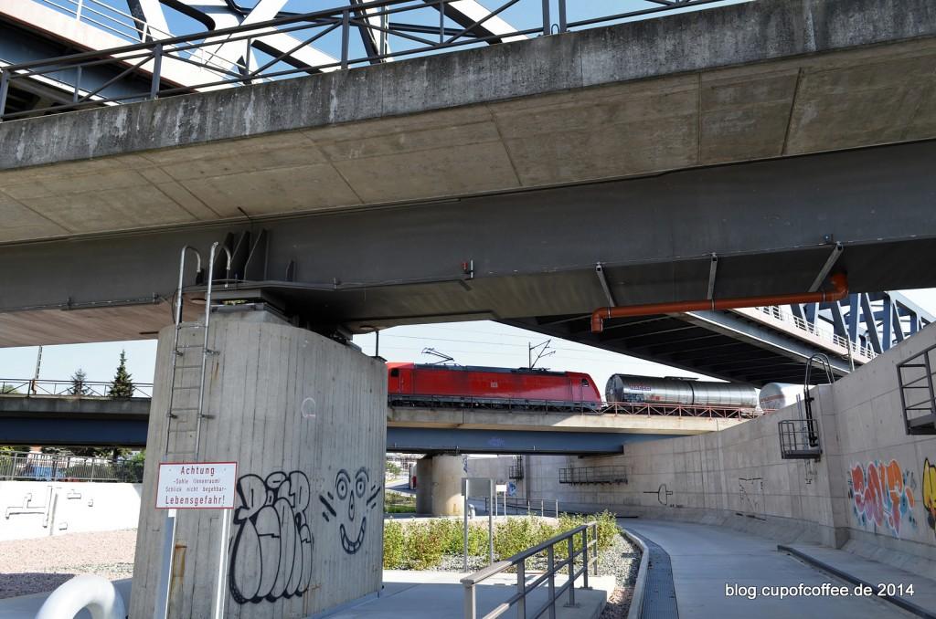 14_Elbe_Radweg_Eisenbahnkreuz_Oberhafen_Hamburg