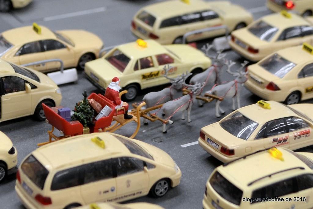 Weihnachtsmann_Knuffingen_Airport_Taxistand