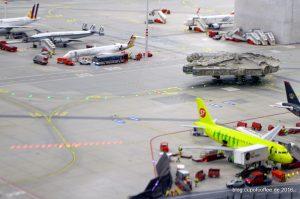 Millenium Falcon auf dem Taxiway von Knuffingen Airport