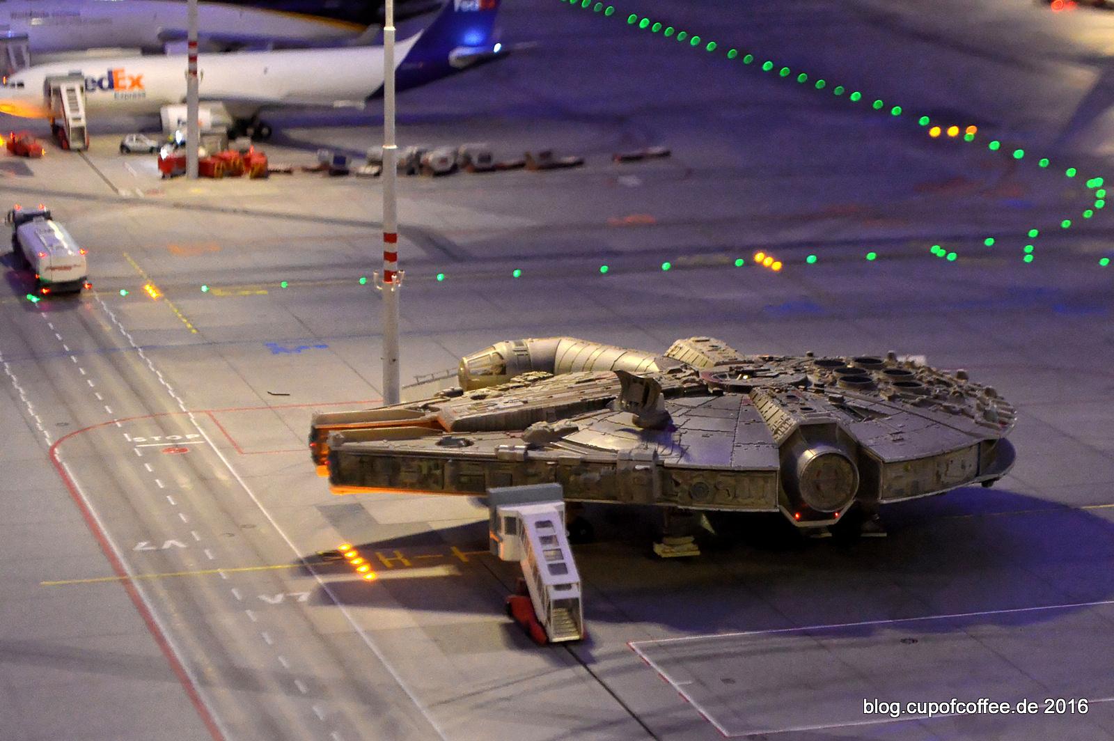 Millenium-Falcon, der neue Star am Knuffingen Airport