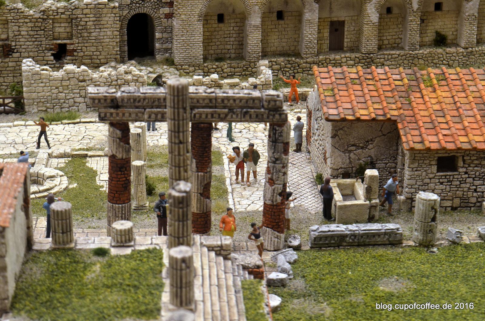 Touristen in Pompeji