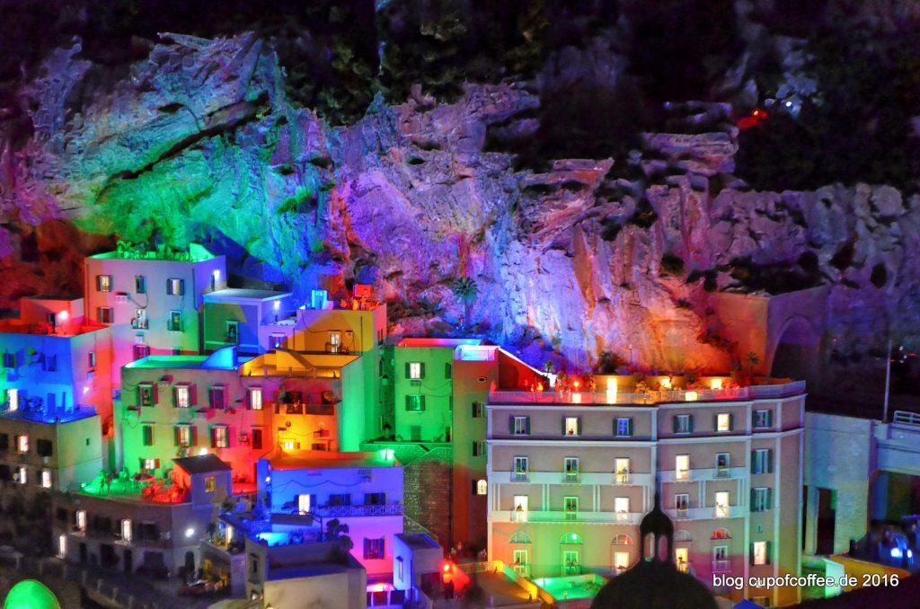 miniatur-wunderland-bella-italia-28-atrani-bei-nacht-juli-2016