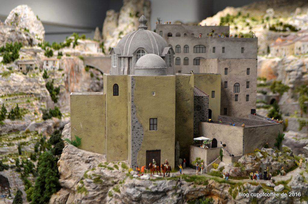 miniatur-wunderland-bella-italia-96-castello-aragonese-dezember-2015