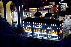 Beamer-Show - Illumination des Kempinski Hotels im Miniatur Wunderland