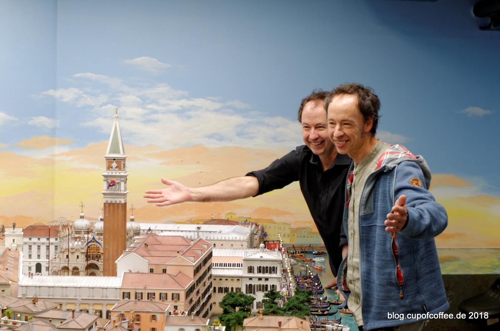 Sie hatten entschieden, Venedig ein zusätzliches Jahr Bauzeit zu geben.